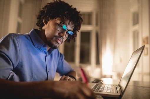 Soal Essay Tentang Pemrograman Web Dan Perangkat Bergerak